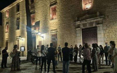 Fotogalería y crónica de la visita cultural «Noche de Misterio» por Carmen Cano.